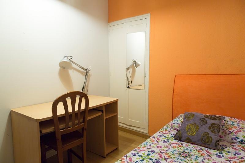 Habitaci n en alquiler para estudiantes en madrid id 184h2 vive y estudia - Habitacion para estudiantes en madrid ...